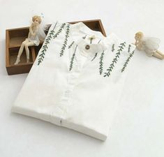 small fresh Willow embroidery cotton Turn-down collar long sleeve white long shirt blouse mori girl 2016 summer Embroidery On Clothes, Simple Embroidery, Shirt Embroidery, Embroidered Clothes, Embroidery Designs, Diy Clothes Tops, Diy Summer Clothes, Summer Diy, Summer Outfits