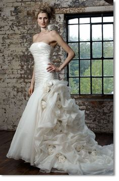 Ian Stuart love him! Love his dresses!