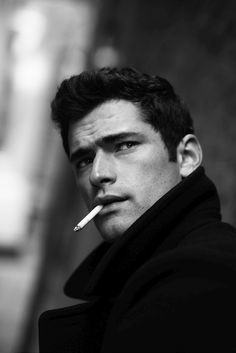 American model Sean O'Pry poses for the lens of fashion photographer Kat Irlin for a set of black & white portraits which draw inspiration from the iconic figure of Marlon Brando. Sean O'pry, Portrait Photography Poses, Men Photography, Man Smoking, Beauty Shoot, Joan Crawford, Black And White Portraits, Male Face, Male Beauty