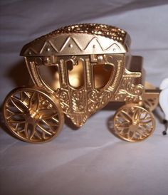 100 Pack Cinderella Carriage with horses Measures about 5 long by 3 tall by 1 wide. Top of the carriage opens (see picture for more detai Cinderella Carriage, Cinderella Wedding, Wedding Carriage, Gold Wedding Favors, Pink Dress, Gold Rings, Rose Gold, Ivy, Wedding