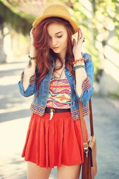 40 Pretty Teen Fashion Outfits | http://stylishwife.com/2014/11/pretty-teen-fashion-outfits.html   If you are reading this then please follow me I am so close to 100! :3 Thanks.