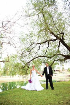 Mesa Country Club - An ideal wedding ceremony and reception venue for couples in Tempe, Mesa, Chandler, south Scottsdale or east Phoenix. Offers a variety of stunning indoor and outdoor spaces. Flexibly-priced menu options planned and executed to perfection by their talented culinary team.