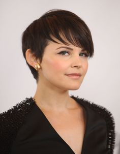 Ginnifer Goodwin..... I NEED her hair!