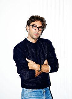 Lorenzo Serafini nommé directeur artistique de Philosophy  http://www.vogue.fr/mode/news-mode/articles/lorenzo-serafini-nomme-directeur-artistique-de-philosophy/24153