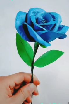 😍 The Effective Pictures We Offer You About diy home decor A quality pict - Diy Crafts Paper Flowers, Cool Paper Crafts, Paper Flowers Craft, Paper Crafts Origami, Flower Crafts, Paper Folding Crafts, Diy Flowers, Making Tissue Paper Flowers, Tissue Paper Decorations