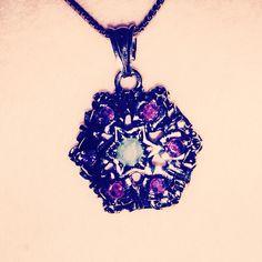 #vintage #style #colgante #necklace #tendencia #cool #clasico renovado... ️www.thecreativemachinery.com ⚡️