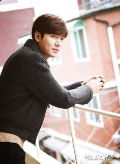 "Lee Min-ho, ""Glad to be with Korea's Golden Age of drama"" -- Actor Lee Min-ho who is back with a new movie, has been seen in dramas like ""The Heirs"", ""Faith"", ""City Hunter"" and more. What is the difference he feels? We met Lee Min-go in a café in Seou Korean Celebrities, Famous Celebrities, Korean Actors, Korean Dramas, Celebs, Korean Star, Korean Men, Lee Min Ho Dramas, Lee Minh Ho"
