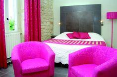 Une décoration atypique pour une chambre authentique #rose #pink #white #idée #déco #moderne #colours #room #hotel