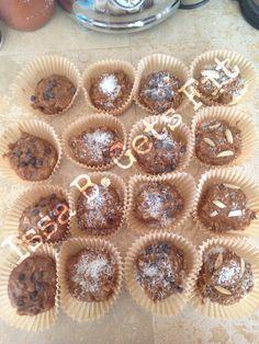 Peanut Butter Protein Balls HEALTHY recipe #healthy #peanutbutter #protein #recipe #eatclean #cleaneating #nutrition #weightloss #recipes #baking #fitness