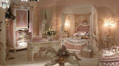 would have loved this room as a little girl!!