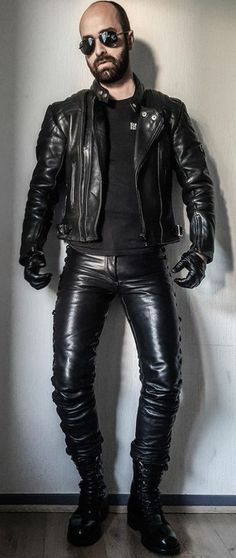 Leather Men, Leather Pants, Hot Guys, Menswear, How To Wear, Addiction, Fashion, Leather, Envy