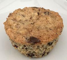 Kokosmuffin med chokolade og nødder Cake Recipes, Snack Recipes, Dessert Recipes, Mcdonalds, Sweet Little Things, Crazy Cakes, Love Cake, Easy Snacks, Cakes And More