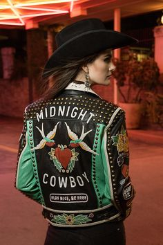 New Collection: Midnight Cowboy By Double D Ranch - Cowboys and Indians Magazine Look Fashion, Fashion Outfits, Womens Fashion, Fashion Design, Western Shirts, Western Wear, Cowboy Outfits, Country Outfits, Country Girls