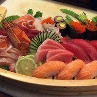 Aron Sushi - Saldanha, Saldanha fotos Sushi, Carrots, Restaurants, Vegetables, Food, Essen, Carrot, Restaurant, Vegetable Recipes