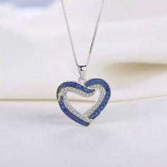Wunderschöne geschwungene blau/silber Herz-Halskette   mit kleinen Kristall-Steinen   Anhänger 2,4cm×2cm  Kette 46cm  925 Sterling Silber   49,90€ Neu   Versandkosten   A -1,50€  D...