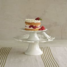 Geranium Cake Plates / Serving Plates | The Company Store