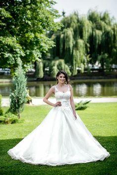 #beautifulbride #weddingdress #bridetobe #weddingtime