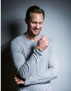 So adorkable! Alexander Skarsgard, Most Beautiful Man, Beautiful People, Alex The Great, Alex Pics, The Swede, Eric Northman, True Blood, Guy Pictures