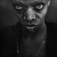 "Exposition ""Synergy"" à la galerie Mathgoth, mars 2015 - Jeff Aerosol & Lee Jeffries Lee Jeffries, Black And White Portraits, Black And White Pictures, Black And White Photography, Black White, Photo Portrait, Portrait Photography, Photography Series, People Photography"