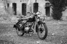 Csepel 125/D & abandoned building 50cc, Mopeds, Abandoned Buildings, Motorbikes, Classic Cars, Motorcycles, Restaurant, Culture, Vehicles