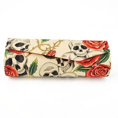 Bolsa de Mão - Caveiras e Rosas (Bege)