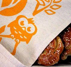 Headwing -keittiöpyyhe // Headwing -tea towel. Design by Pisama Design