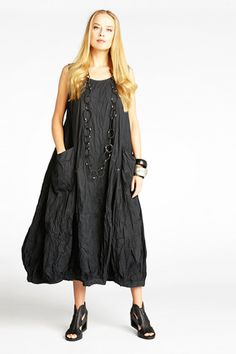 N/S Fab Dress in Black Carnaby