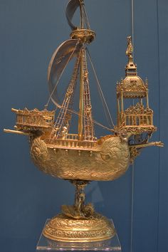 photo pictures,St. Petersburg Russia,Hermitage museum,Saint Petersburg,Ship,Gilded,