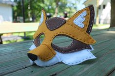Handstitched Felt Mask, The Fox Mask - Nadelfilzen Ideen Renard Costume, Fox Costume, Pinnochio Costume, Felt Crafts, Diy And Crafts, Arts And Crafts, Diy For Kids, Crafts For Kids, Felt Fox