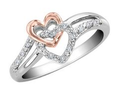 Beautiful Promise ring! Only thing that would make it better is if the guy had engraved something on it.