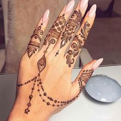 Find the latest and most beautiful Henna designs / Mehndi Designs for Hands If you have occasions like. Finger Henna Designs, Henna Designs Easy, Beautiful Henna Designs, Arabic Mehndi Designs, Mehndi Designs For Hands, Henna Tattoo Designs, Ankle Henna Designs, Tribal Henna Designs, Henna Flower Designs