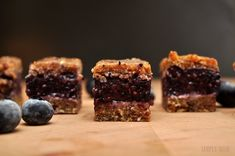 Raw Blueberry Date Bars - so simple! Healthy Vegan Desserts, Raw Desserts, Raw Vegan Recipes, Vegan Snacks, Healthy Snacks, Paleo, Food Deserts, Vegan Food, Healthy Recipes