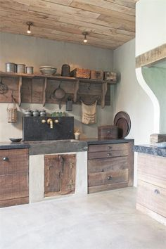 Handmade Rustic & Southwestern Decor - Rustic Home Decor - Rustic Kitchen, Country Kitchen, Kitchen Decor, Küchen Design, House Design, Wooden Pallet Projects, Cabin Kitchens, Remodeled Kitchens, Primitive Homes