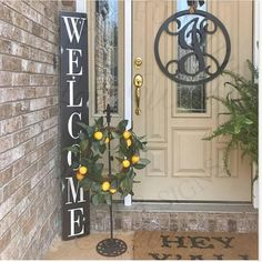47 Rustic Farmhouse Porch Decorating Ideas to Show Off This Season Vertical Porch Welcome Sign Farmhouse Front Porches, Small Front Porches, Farmhouse Windows, Front Porch Flowers, Front Porch Signs, Front Door Decor, Fromt Porch Decor, Fromt Porch Ideas, Entryway Decor