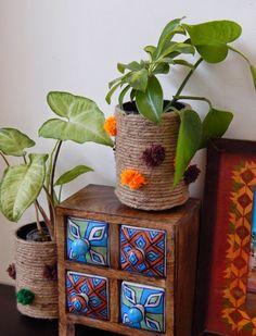 Indian home decor - The Sunshine Corner Recycled Jute Vase Ethnic Home Decor, Indian Home Decor, Diy Home Decor, House Plants Decor, Plant Decor, Indian Home Interior, Art Deco Furniture, Vintage Furniture, Vintage Design