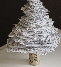 DIY Paper Xmas Tree, you just need a cork, a bamboo skewer and some paper