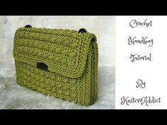 Marvelous Crochet A Shell Stitch Purse Bag Ideas. Wonderful Crochet A Shell Stitch Purse Bag Ideas. Crochet Clutch Pattern, Crochet Clutch Bags, Crochet Handbags, Crochet Purses, Crochet Bags, Crochet Shell Stitch, Tapestry Crochet, Simple Bags, Knitted Bags