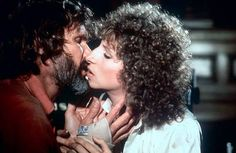 A STAR IS BORN - Aging rock star Kris Kristoferson kisses up-and-coming songwriter Barbra Streisand - Produced by Barbra Streisand & Jon Peters - Directed by Barbra Streisand - Warner Bros. Hello Gorgeous, Beautiful Men, Beautiful People, New Movies, Good Movies, Drama Movies, Kris Kristofferson, Barbra Streisand, She Movie