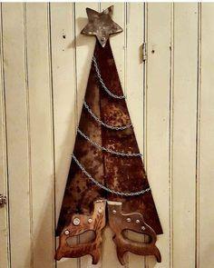 Christmas Tree Farm, Primitive Christmas, Country Christmas, Christmas Art, Christmas Projects, Vintage Christmas, Christmas Holidays, Christmas Ideas, Christmas Tree Decorations