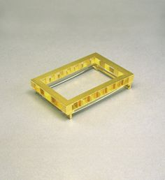 Michael Becker, brooch, untitled, 1989 - gold 750/000 - 48x33mm