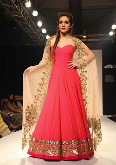 Anarkali by Anushree Reddy at Lakme Fashion Week Winter / Festive 2013 --- looks like a ballgown! Lakme Fashion Week, India Fashion, Asian Fashion, Pakistan Fashion, Fashion Weeks, Indian Attire, Indian Ethnic Wear, Indian Outfits, Anarkali Dress