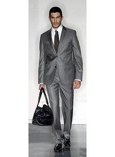 Savant mélange de style et d'innovation technique, Celio Club annonce la sortie d'un costume thermo-régulant. Collection « haut de gamme » de Celio, Celio Club doit son succès à des vêtements moderne et de bonne qualité. En bref, les essentiels du vestiaire masculin réinterprétés avec élégance, et nouveautés technologiques à la clé