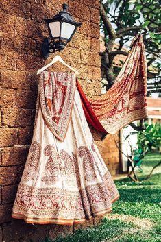 Mehendi Outfits, Indian Bridal Outfits, Indian Bridal Fashion, Wedding Outfits, Indian Dresses, Asian Fashion, Ritu Kumar Bridal, Pakistani Bridal, Gujarati Wedding