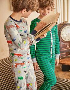 Dois irmãos de pijama