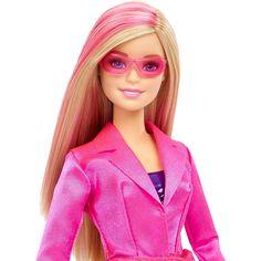 Barbie - Barbie Agente Secreta, uma boneca da Barbie, 2 em 1 e com acessórios, como no filme da Barbie e as Agentes Secretas. Descobre a Barbie Agente Secreta! A Barbie Agente Secreta está pronta para entrar em ação! Como uma verdadeira ginasta, a Barbie faz a roda e dá saltos mortais! Uma boneca indispensável para recriar as cenas do filme! Também existem as bonecas da Teresa e da Barbie Agentes Secretas. Vendem-se por separado. Coleciona-as!