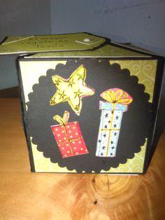 Tarjeta cubo. Elaborada por Yenory Rodríguez.