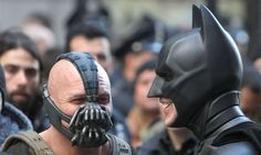 Bane and Batman sharing a chuckle: | 34 Behind The Scenes Photos That Will Change The Way You Look At Classic Movies
