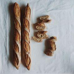 """#VSCOcam #vscofood y también tengo #baguettes de @cocinayhornodebabette. Buena cena me espera #masamadre #sourdough #sandwich #huffpostgram #f52grams #foodphoto #feedfeed @thefeedfeed #yahoofood"" Photo taken by @miriamelinvitado on Instagram, pinned via the InstaPin iOS App! http://www.instapinapp.com (09/02/2015)"