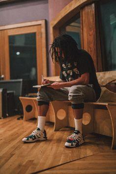 J Cole Tour, J Cole Albums, Rap Background, J Cole Quotes, Young Simba, Best Rapper Alive, Rapper Art, Rap Wallpaper, Hip Hop Art