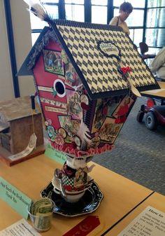 Momanthology.com: Alice in Wonderland birdhouse